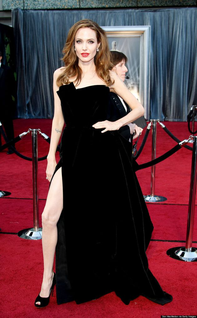 Kate Winslet's Angelina Jolie Leg Pose Is Hot