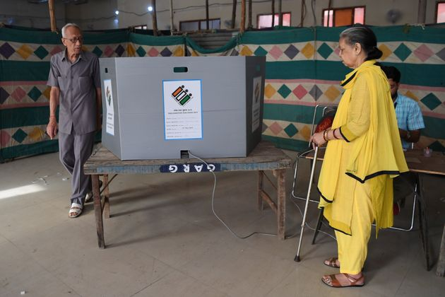 From Matia Mahal To Hauzrani, EVM Glitches Being Reported From Across