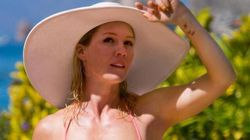 Jennie Garth Shows Off Her Bikini