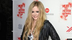 LOOK: Avril's Extreme Racoon Eyes And Giant