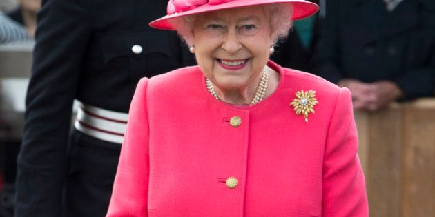 Welcome To Canada Guide Features Queen, Military,