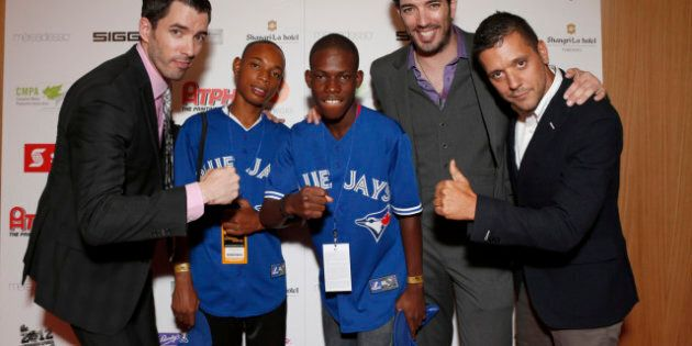 TIFF 2012: Toronto Film Festival Unofficially Kicks Off With Producers Ball And The SKYY Vodka Blue Alley