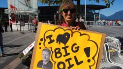 Protesters Assail Harper At Vancouver