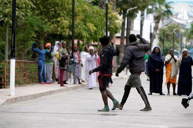 Melilla: 52 migrants franchissent la