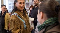 Aboriginal Affairs Minister Meets Elder On Hunger