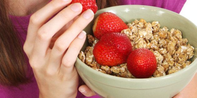 Food For Skin: How Eating Nuts And Berries Together Can Help You
