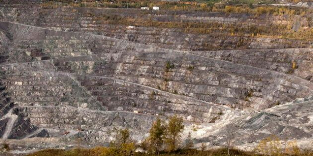 Canada Asbestos Mining Ban? Local, International Groups Call For Elimination Of All Asbestos