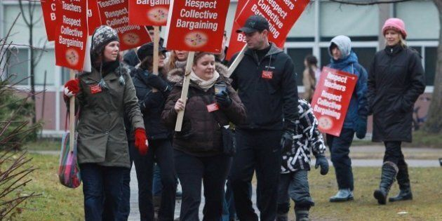 Bill 115 Protest Sees 4,800 Ontario Teachers Walk Off The