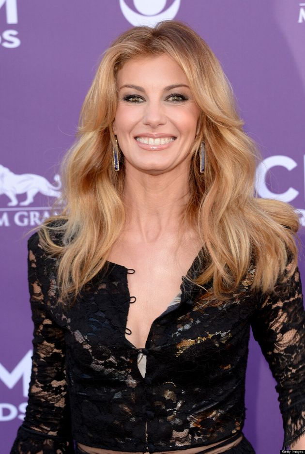 Faith Hill Rocks Clear Braces At The ACM Awards