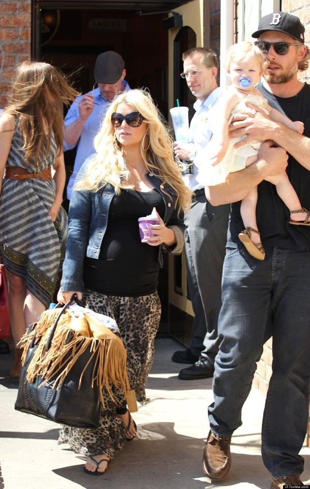 Pregnant Jessica Simpson Shows Off Baby Bump In Leopard