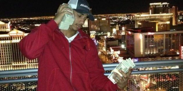 Evander Kane Cash: Winnipeg Jets Player Flashes Bills In Las Vegas