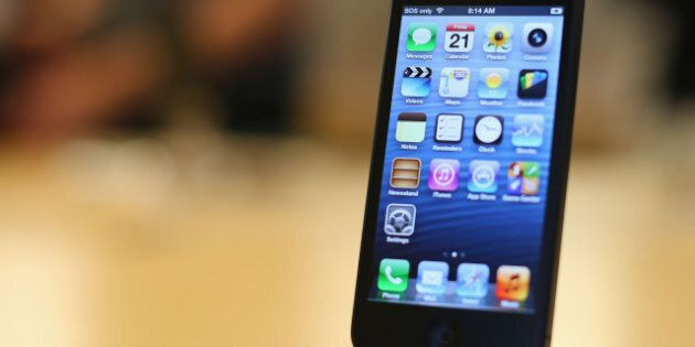 Smartphone Use: Canadians Calling Less, Using Their Device Like A Mobile