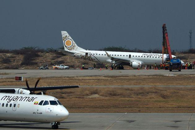 Birmanie: atterrissage d'urgence héroïque sans train