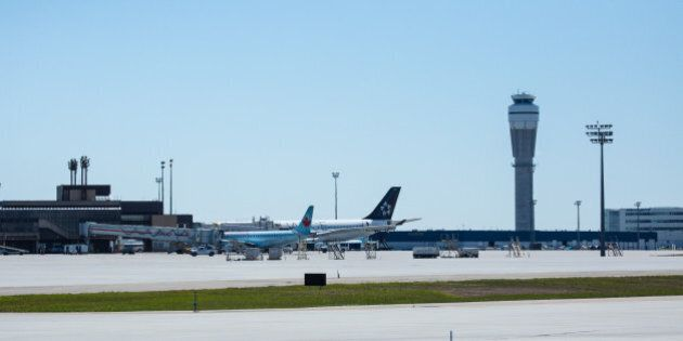 Calgary Airport Opens Tallest Free-Standing Air Traffic Control Tower In Canada