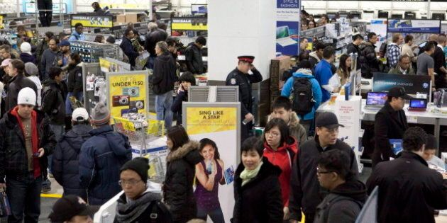 Holiday Shopping: Canadians To Spend More This Season, But Check Prices Online, Study