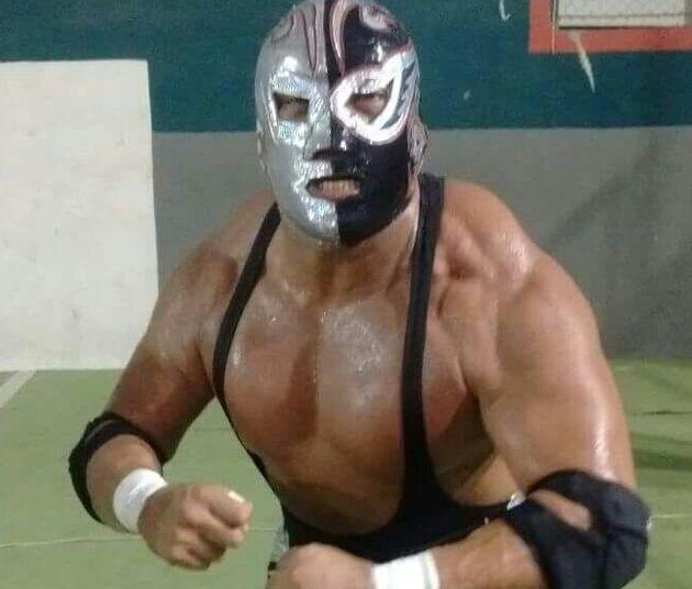 Wrestler muore sul ring. Il pubblico pensa sia uno