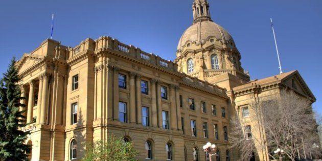 Description The Alberta Provincial Legislature Building, Edmonton, Alberta, Canada. | Source | Date 2008-05-17...