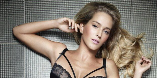 Luisana Lopilato Shows Off Pre-Pregnancy Curves In Sexy Underwear