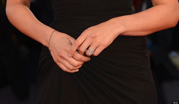 Scarlett Johansson Engaged To Romain Dauriac: See Her Engagement Ring (VIDEO,