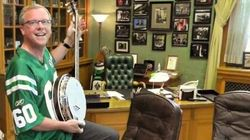 WATCH: Saskatchewan Premier Uses Banjo To Mock
