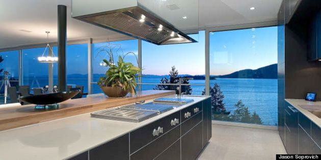 Amazing Waterfront Homes In BC