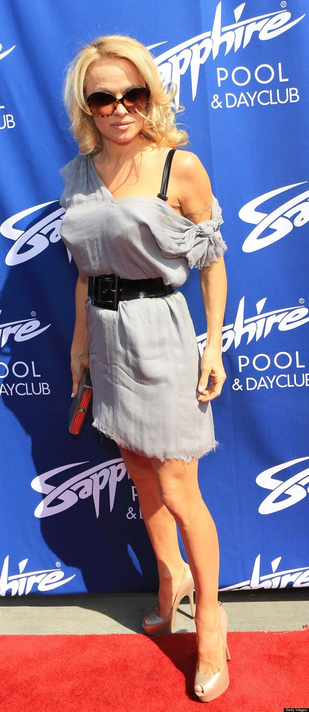 Pamela Anderson's 'Barb Wire' Roots: 'Baywatch' Babe Fails To Impress In Frayed Dress
