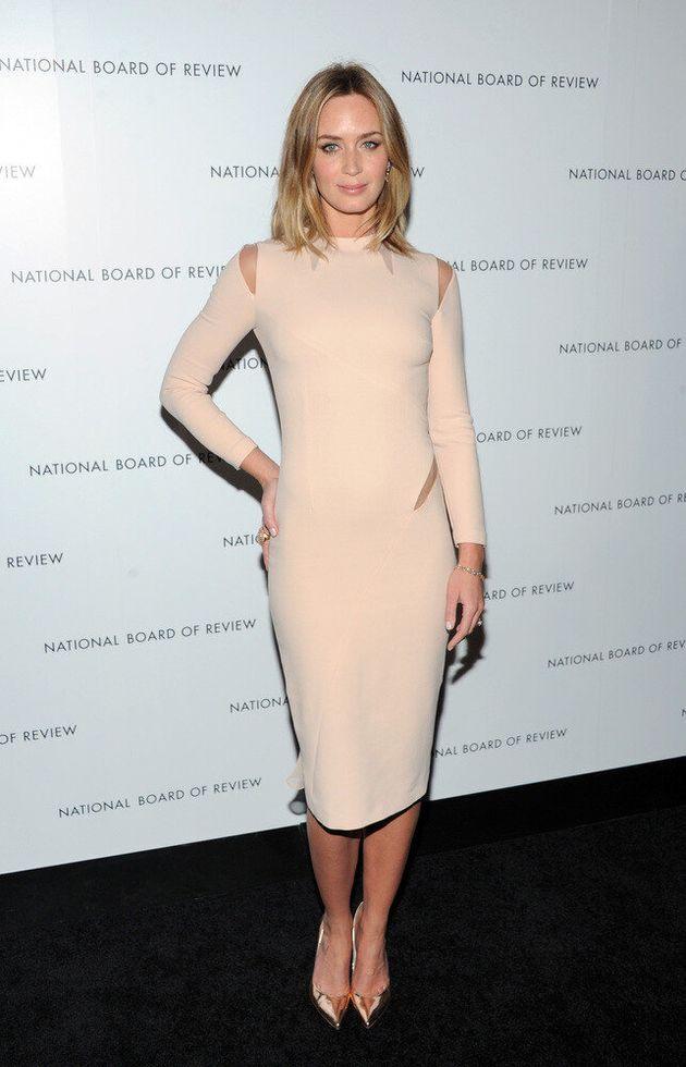 Emily Blunt Golden Globes: 2013 Nominee Flaunts Her Figure At Awards