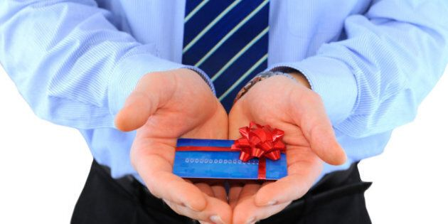 Holiday Gift Cards: Thoughtful Touches Can Make Gift Cards Practical And
