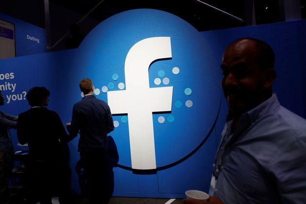 Facebook ha chiuso 23 pagine italiane che condividevano fake news e istigazioni all'odio: tra queste,...