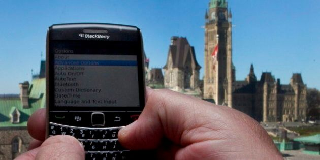 Smartphone Market Share Canada: BlackBerry Still Fading As Samsung Nips At Apple's