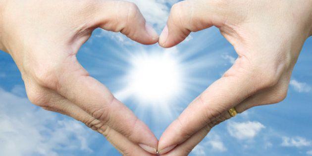 hand make heart