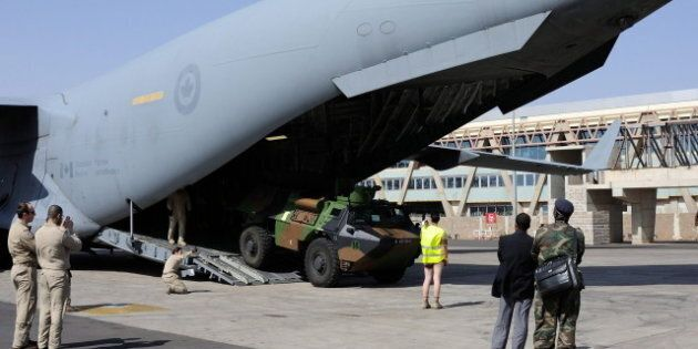 Mali Conflict: Canadian C-17 Completes First Cargo