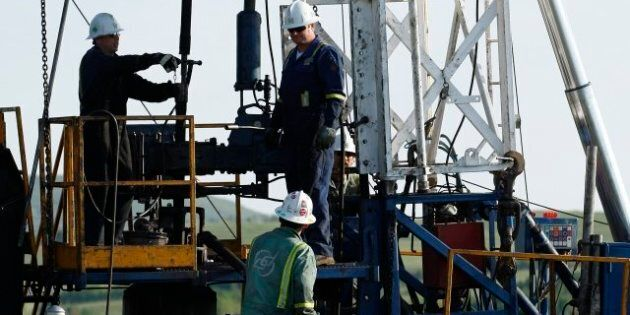 Precision Drilling Cuts 2013 Capital Spending To $485M; Plans Quarterly