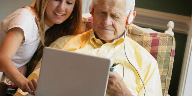 Boomers, Seniors Embracing Facebook, Study