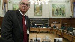 Ottawa To Review CRTC's Ruling On Download