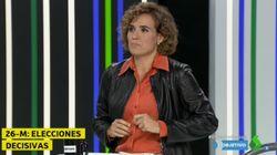 El emotivo gesto de Dolors Montserrat (PP) al inicio del debate de