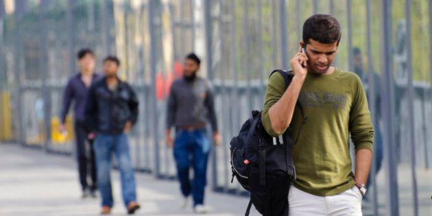Canada's Immigrants, Minorities Struggle To Earn Living: