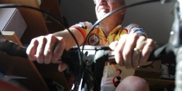 Arvid Loewen, Winnipeg Grandfather, Sets Unofficial Record, Fastest Bike Across