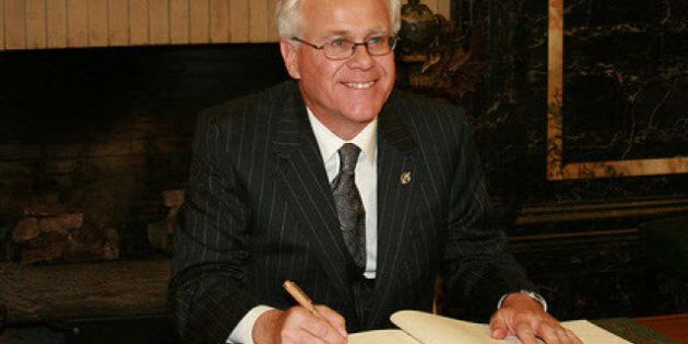 MP Bob Dechert Passed Security Check After Sending Flirty Emails To Chinese Journalist Shi Rong, Note