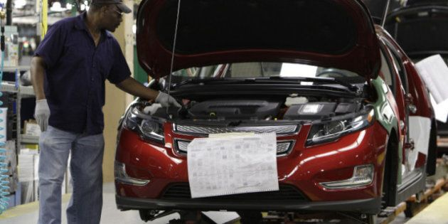 Autoworkers union extends Chrysler, GM labour contracts after missing deadline; talks