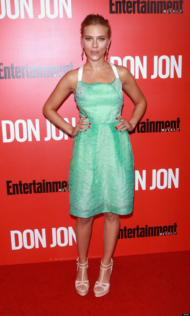 Scarlett Johansson Is A Vision In Green At 'Don Jon' Red Carpet Premiere