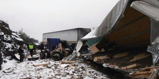 Ontario Highway Crash: Loonies, Toonies Scattered, Draws Treasure