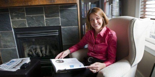 Wildrose Party Plummets In Alberta Poll, Progressive Conservatives