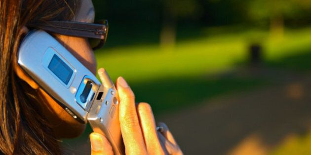 Canada Cellphone Use Sees Less Talking Time, More Surfing And