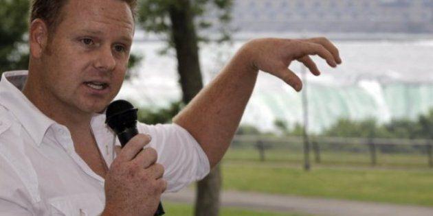 Nik Wallenda, Tightrope Walker, Gets US Support For Niagara Falls Bid, Not So Much