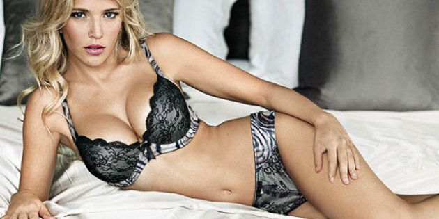 Michael Bublé's Wife, Luisana Lopilato, Bares All In Sexy New Lingerie
