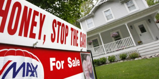 Mortgages in Canada: Debt Crisis Could Keep Mortgage Rates