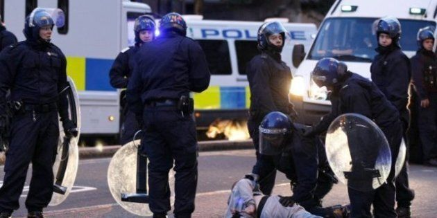 UK Riots: London Police Swarm City, While Residents Stand