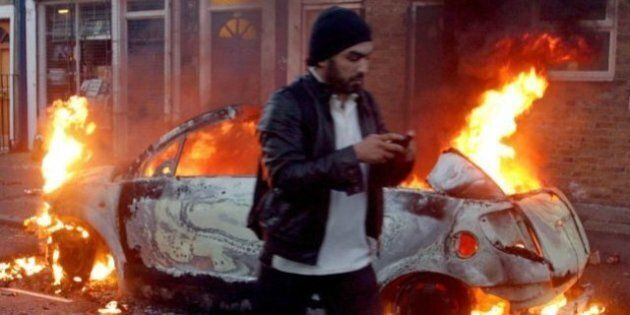 UK Riots: BlackBerry Messenger Fingered As Looters' Tool Of