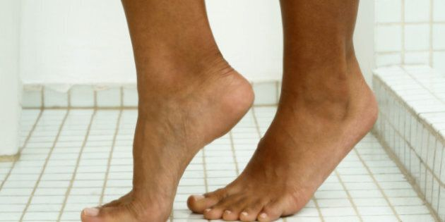 Athlete's Foot: Natural Remedies To Treat Foot